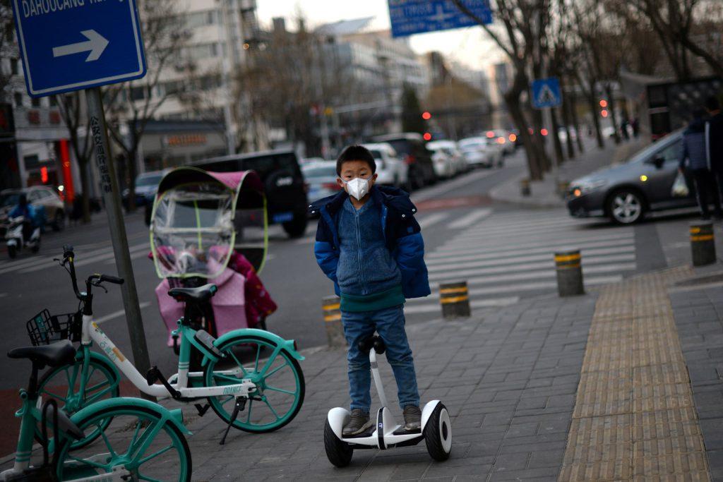 بحربها ضد كورونا.. الصين تبهر العالم بتقنيات تظهر لأول مرة | Tech Gigz - تيك كيكز
